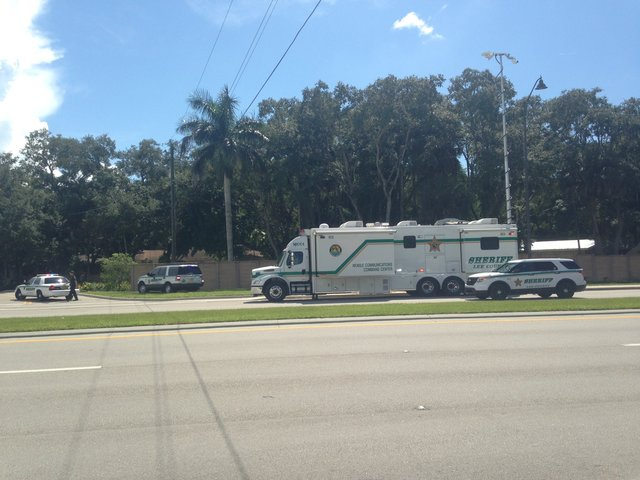 Deputies respond to barricade situation