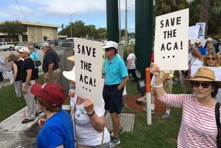 Hundreds rally to save Obamacare in Collier