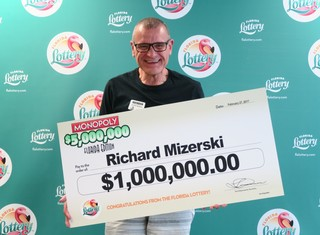 Two SWFL residents win big on lottery