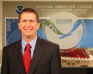 US hurricane center chief going back to TWC