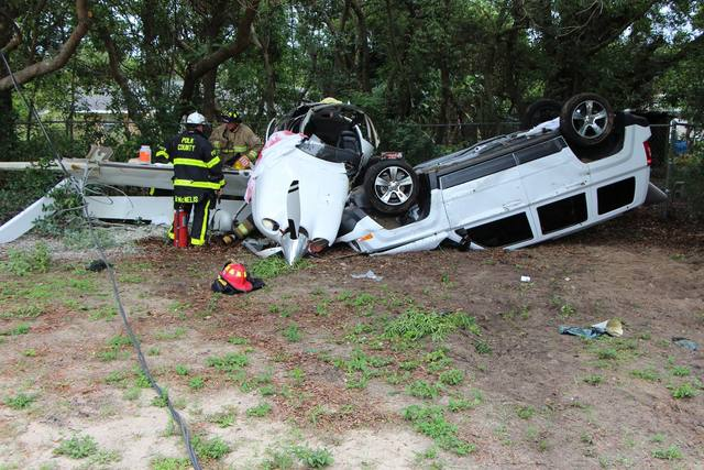 Plane crashes on vehicle in Polk County church parking lot
