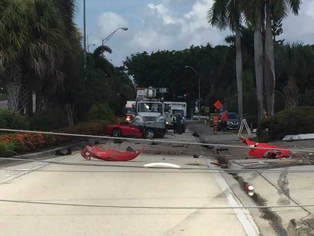 Serious crash on Colonial Boulevard knocks down power lines, closes bridge