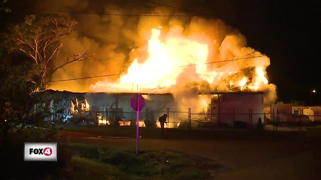 Firefighters battle warehouse fire in Fort Myers
