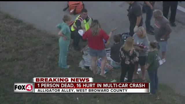 1 killed, more than dozen injured in rollover wreck on Alligator Alley