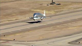 Video: Strange NASA plane spotted in Arizona